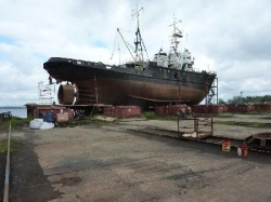 "The sea tugboat ""Ivan Plyusnin"" and the floating dock on the SLIP were hoisted"